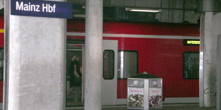 Zug in Mainz an Aschermittwoch
