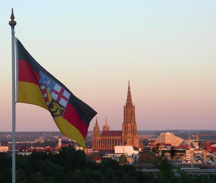 Ulm mit Flagge
