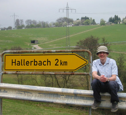 Don am Hallerbach-Ortsschild